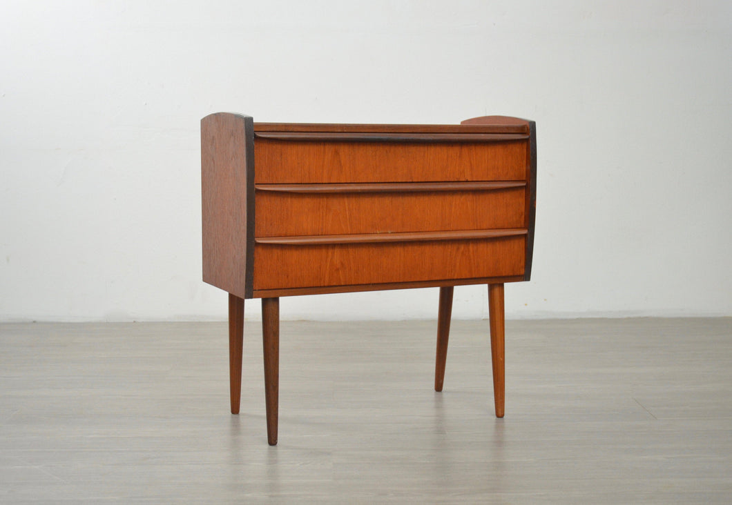 Small Mid Century Chest of Drawers