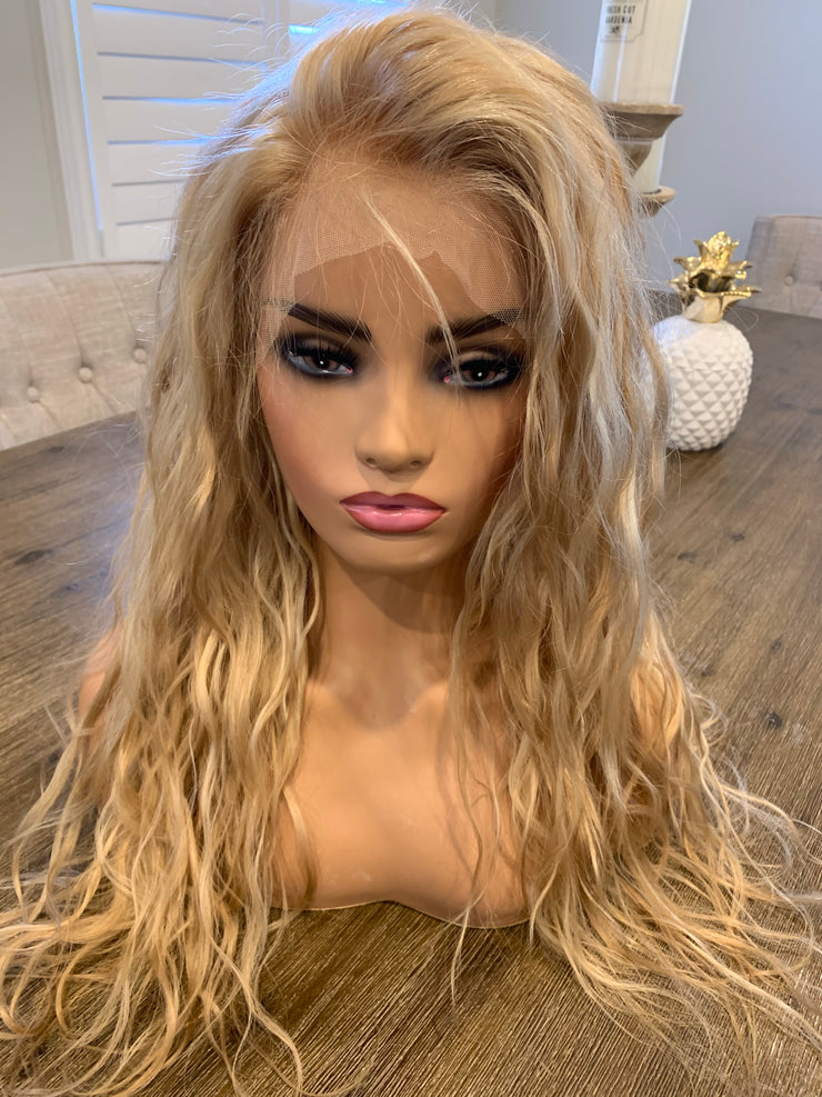 Beautiful blonde beach waves 24 inches