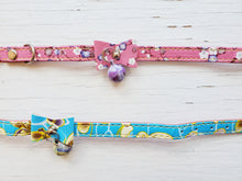 Load image into Gallery viewer, Floral Cat Collar w/ bell