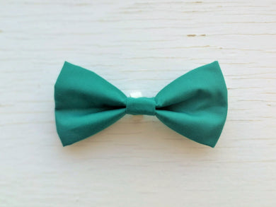 Pet Bow Tie - Emerald Green - Over the collar