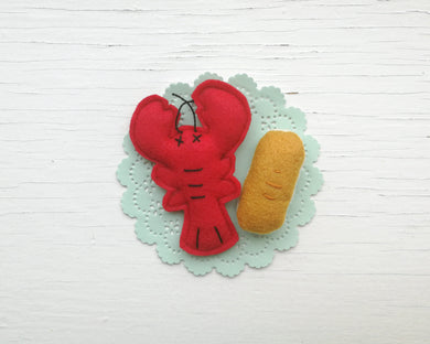Cat Toys - Lobster Dinner - Organic catnip and bells inside
