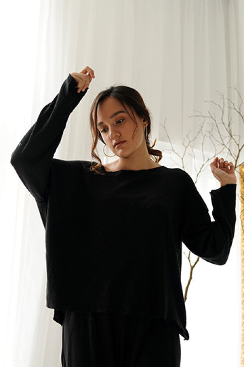 Rib Comfy Sweater in Black-