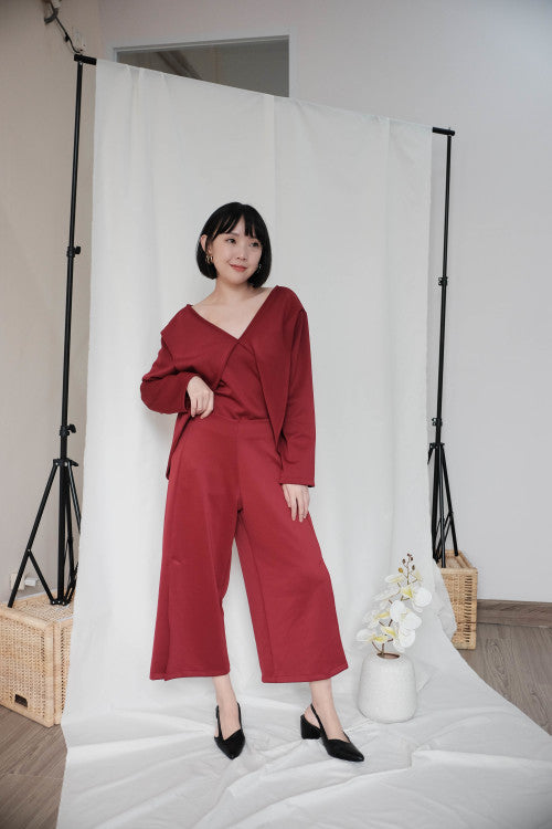 Leah Multiway Top in Maroon