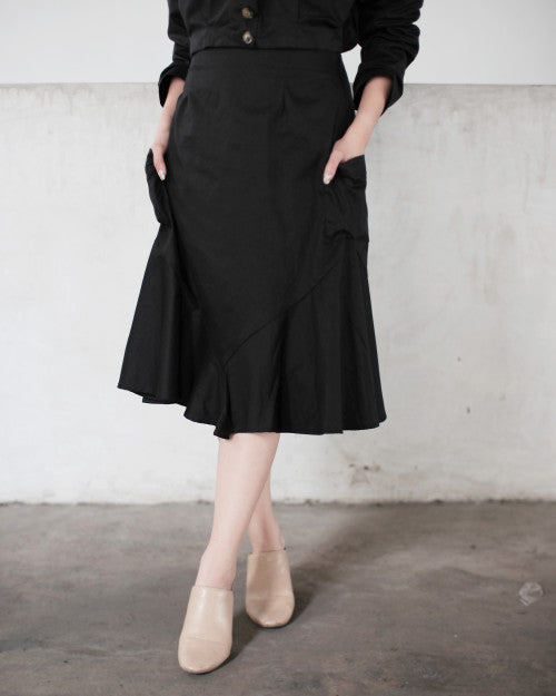 Tropic Flare Skirt in Black (1 PCS LEFT!)