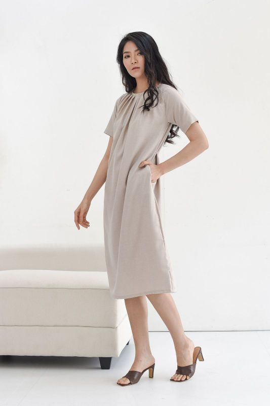 Nara Relax Dress in Cream