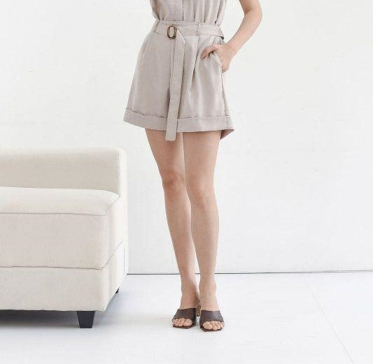 Becca Cotton Short in Cream