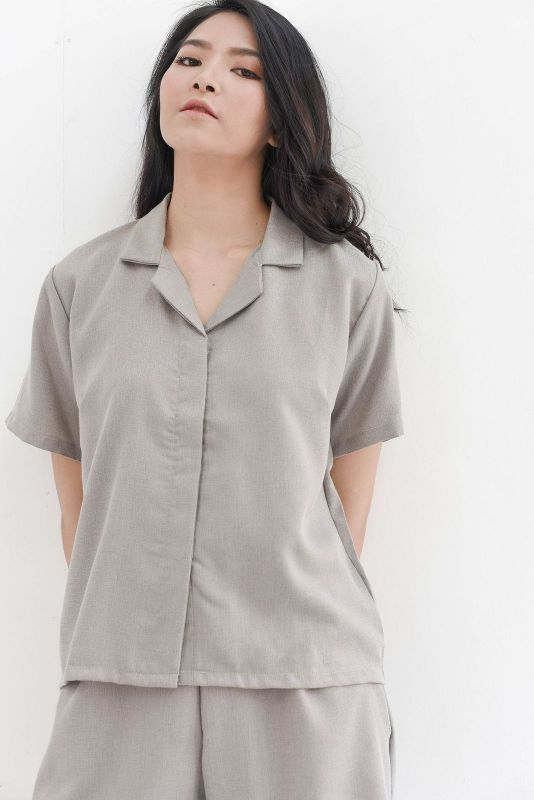 Easy Day Shirt in Taupe