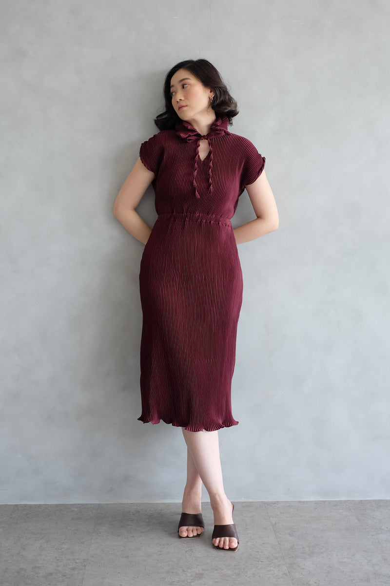 Pome Pleats Midi Dress in Burgundy