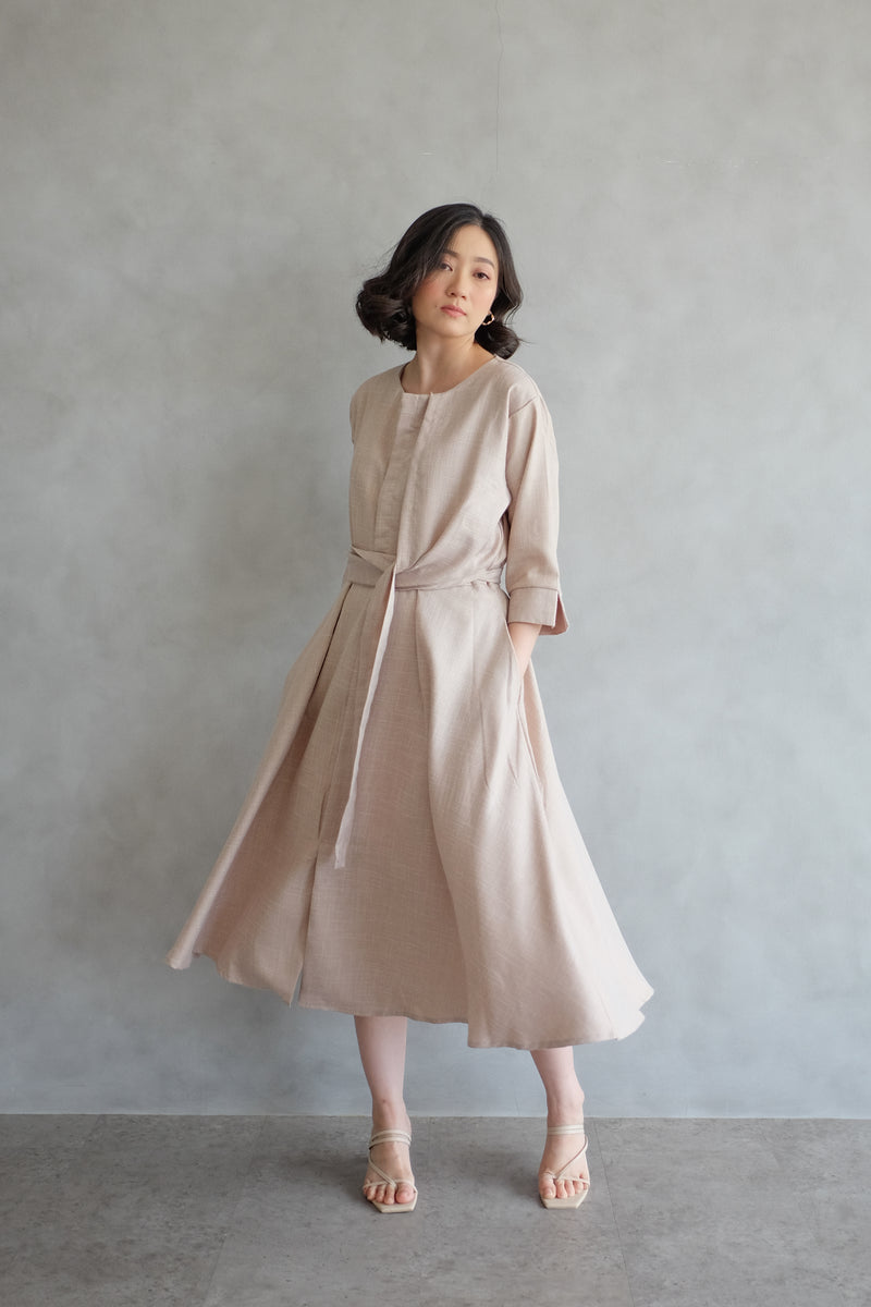 Taylor Midi Dress In Soft Peach