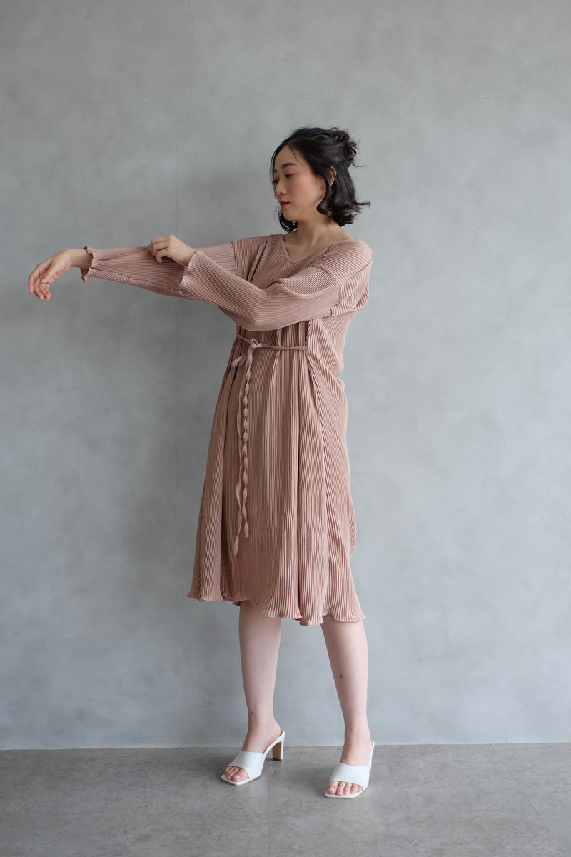 Basic Multiway Pleats Dress In Nude