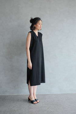The Minimalist Dress In Jet Black