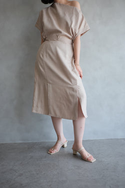 Macy Slit Midi Skirt In Soft Peach