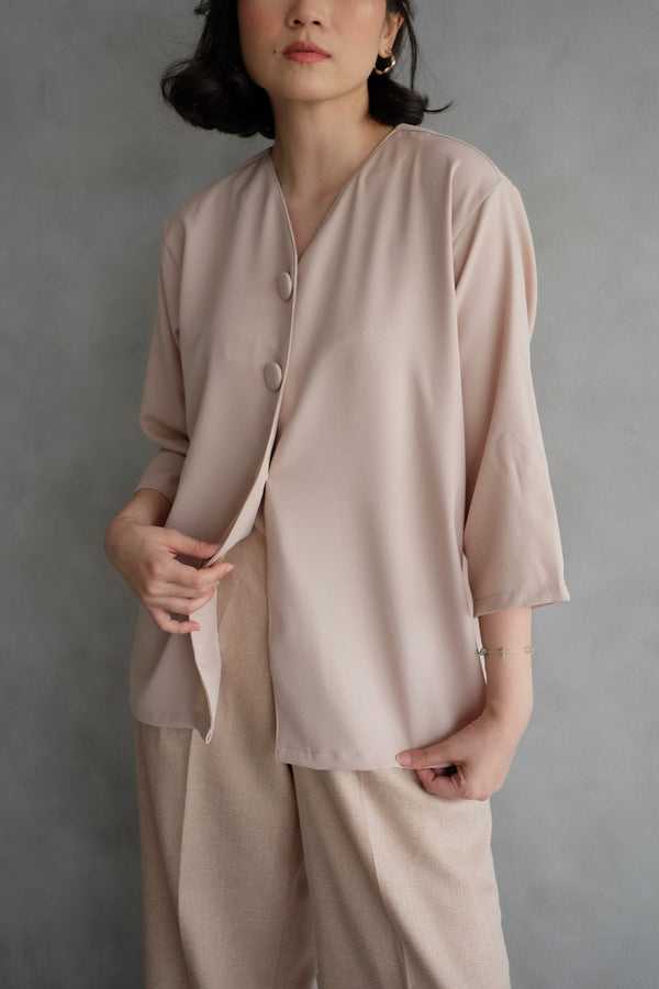 Kara Daily Top Outer In Blush Nude