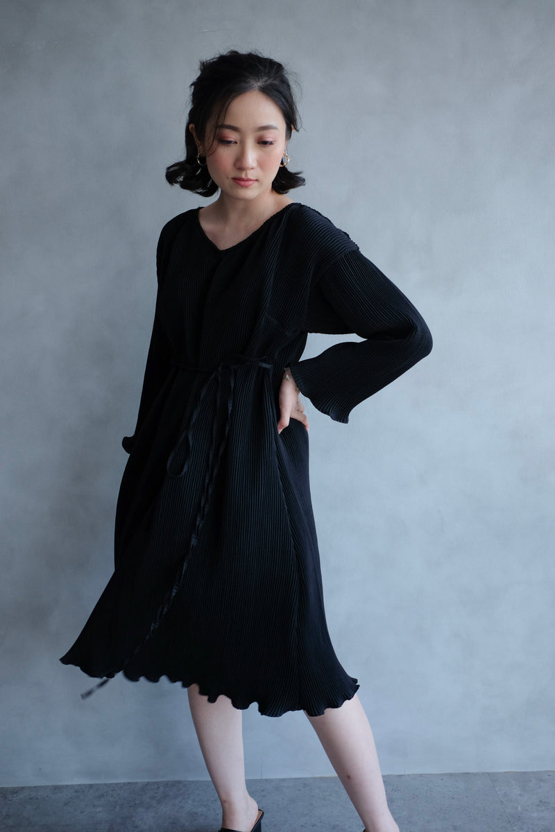 Basic Multiway Pleats Dress In Black