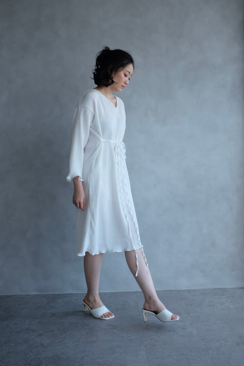 Basic Multiway Pleats Dress In White