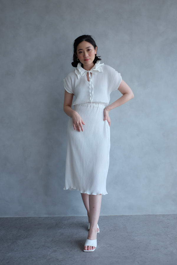 Pome Pleats Midi Dress in White