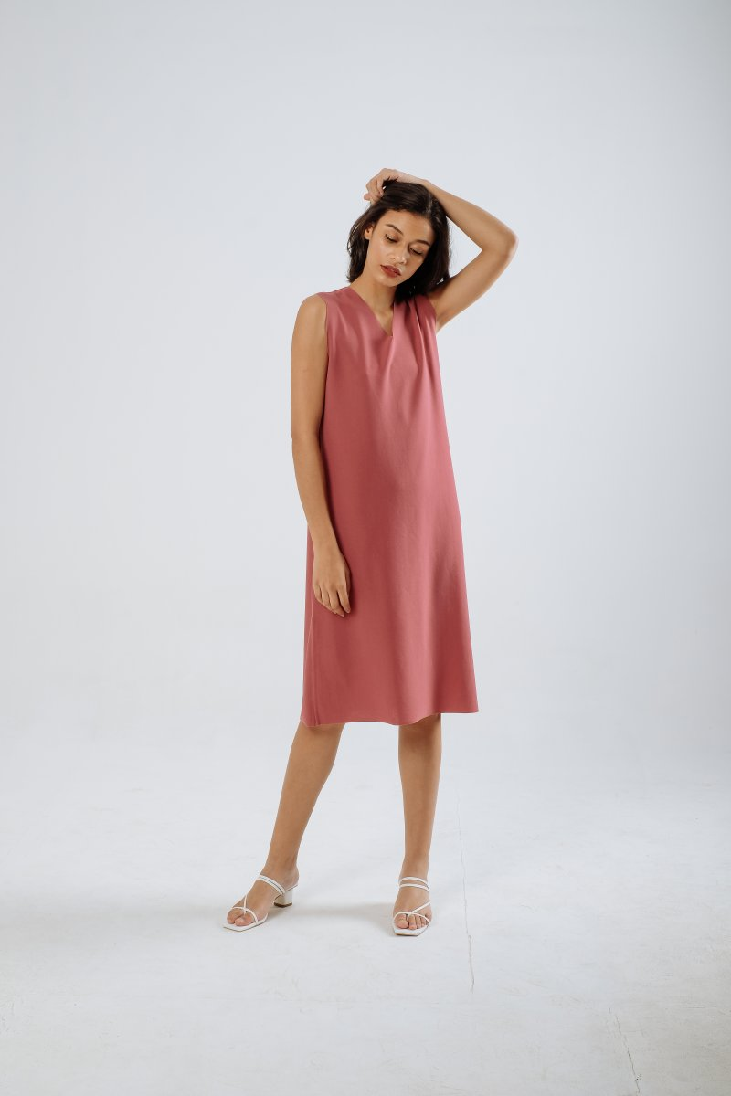 The Minimalist Dress in Berrypink