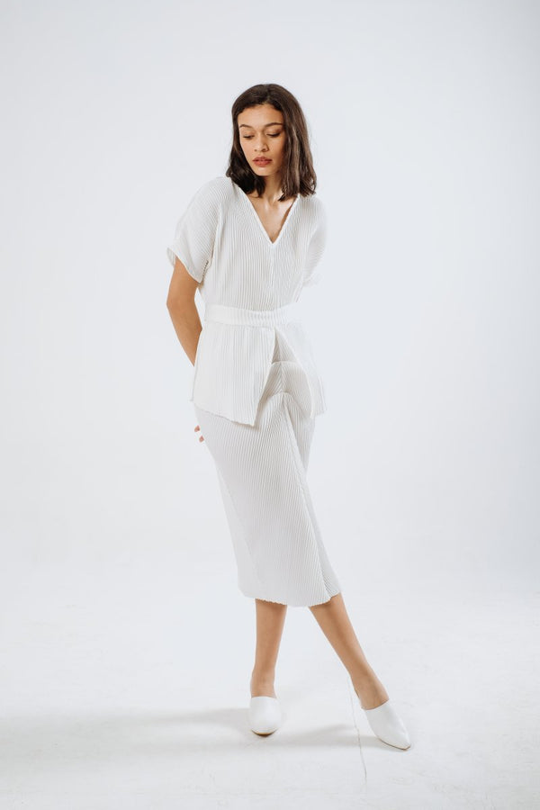 Jean Multiway Pleats Dress in White