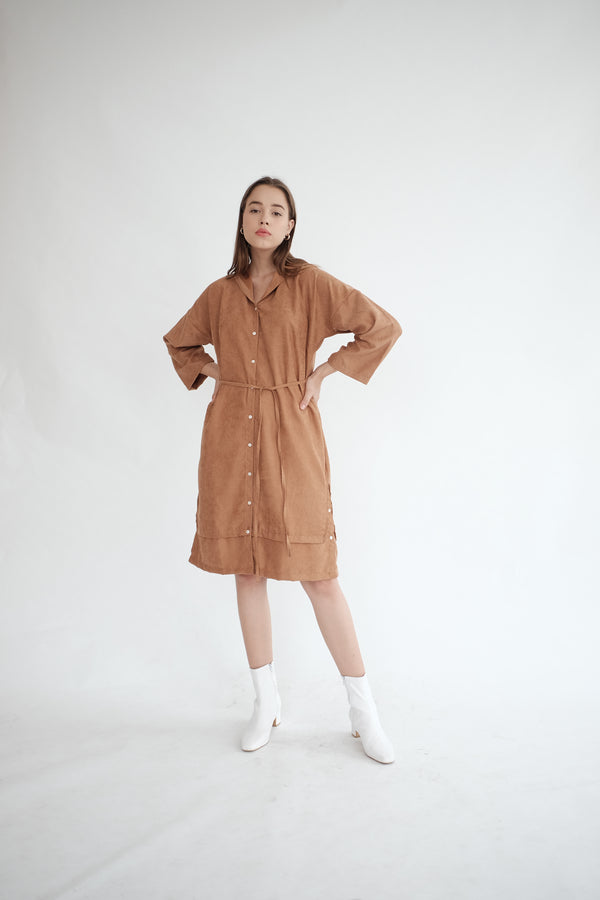 York Hoodie Dress in Caramel