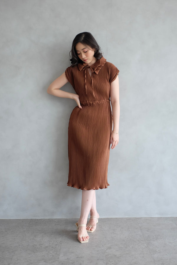 Pome Pleats Midi Dress in Brown