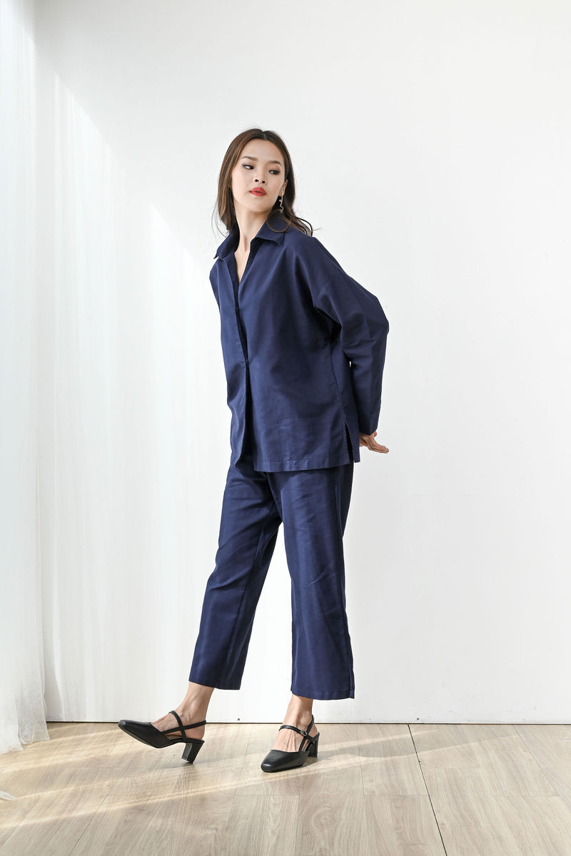 Fearless Linen Top Outer in Navy