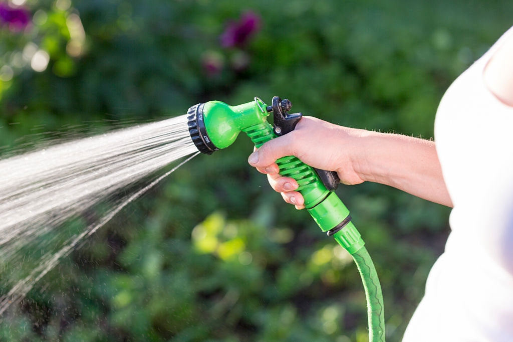 how to remove a stuck hose nozzle