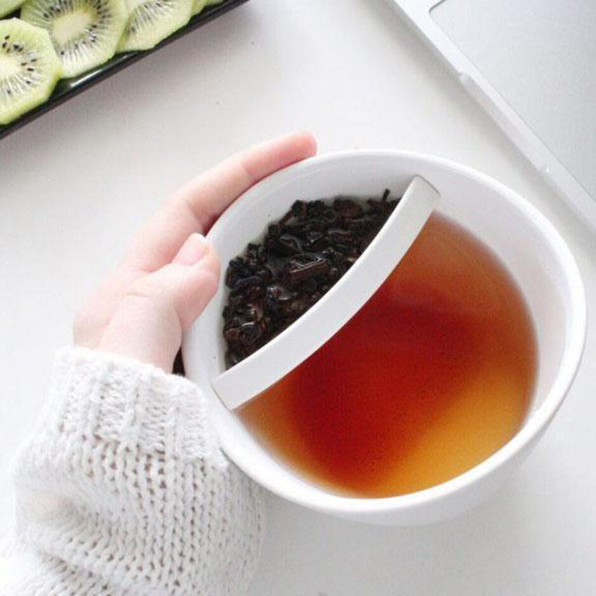 Creative Personalized Plastic Tilt Tea Cup