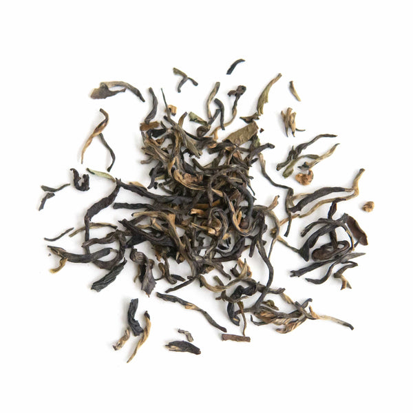 young mountain tea darjeeling copper black tea full leaves