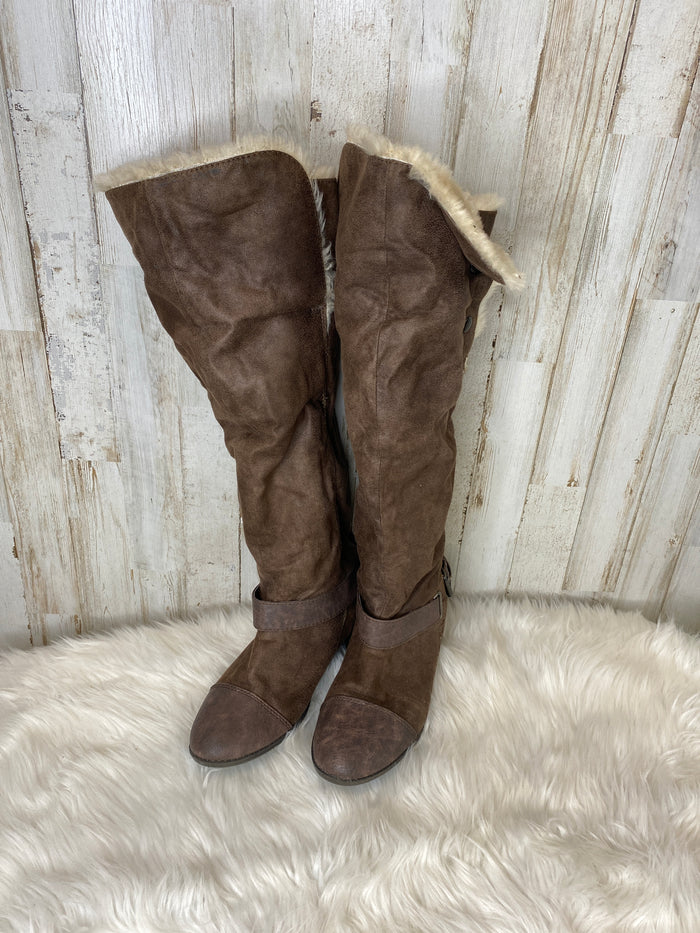 Boots Knee By Report  Size: 7