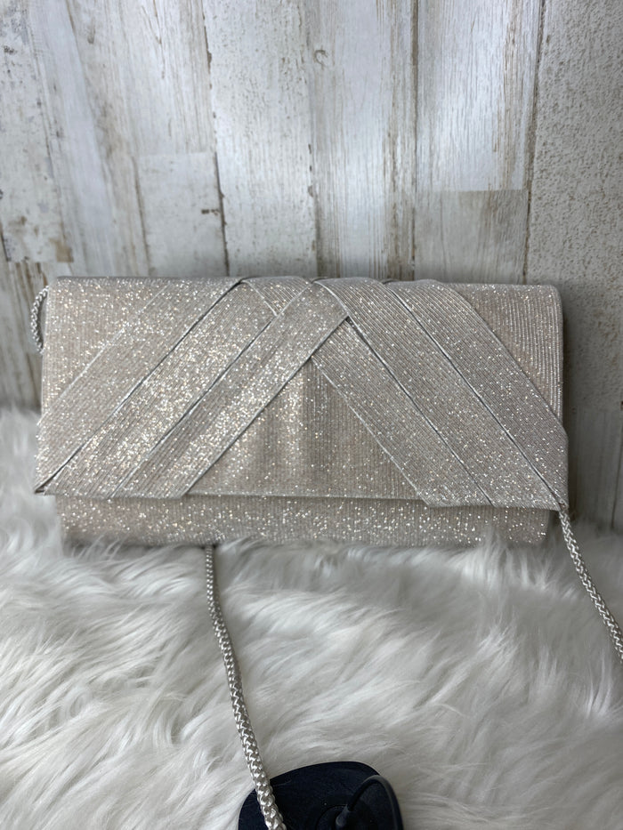 Clutch By Clothes Mentor