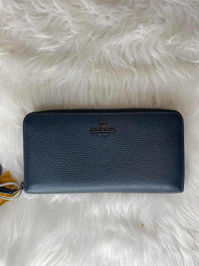 Wallet By Coach  Size: Large