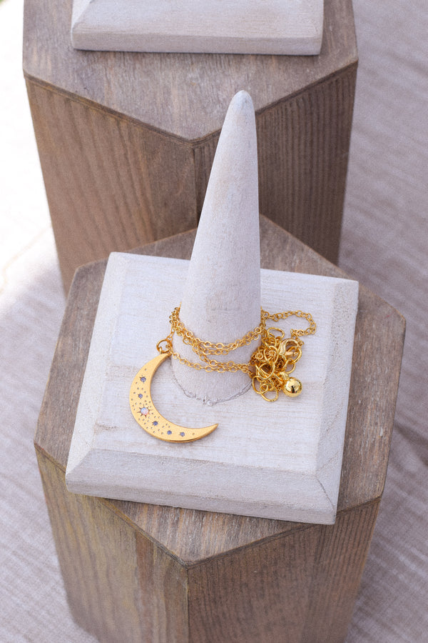 Dear Moon Necklace