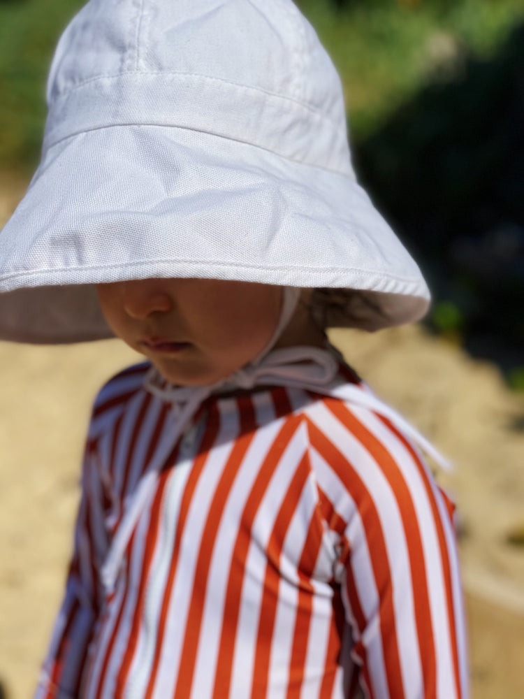 Load image into Gallery viewer, sun protective hat upf 50+ white hat sun safe, anti uv hat, baby hat