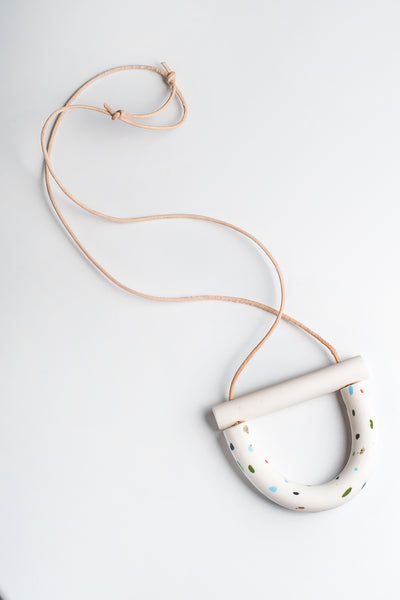 white + color speckle carnival necklace