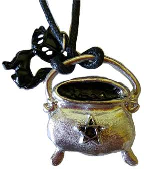 Cauldron & Star w/black cat amulet