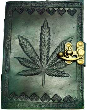 "5"" x 7"" green Leaf leather w/ latch"