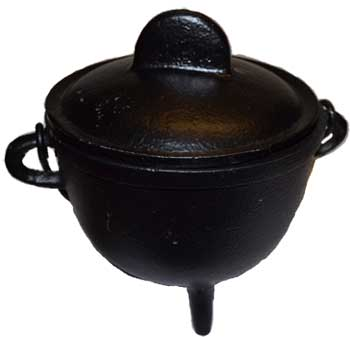 "5"" Cast iron cauldron w/ lid"