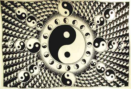 "White and Black Yin Yang Tapestry 72"" x 108"""