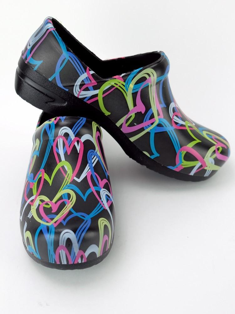 STEPZ Women's Slip Resistant Nurse Clogs | Scribble Hearts - Scrub Pro Uniforms