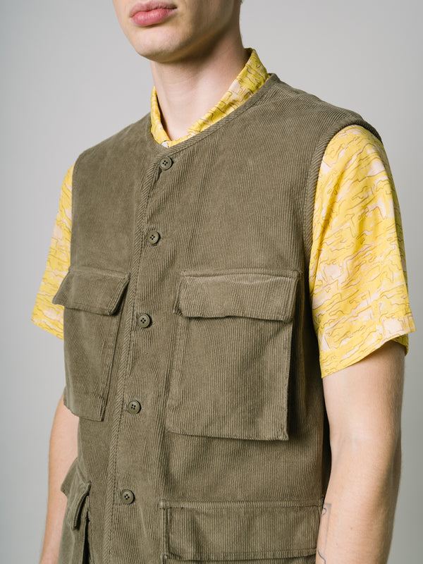LEVEN VEST IN LIGHT OLIVE HEAVY-WEIGHT COTTON CORD