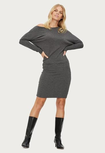Figure-flattering silhouette and off-the-shoulder style gives this long sleeve dress