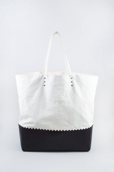 Bottega Veneta Black & White Intrecciato-Trimmed Linen Tote
