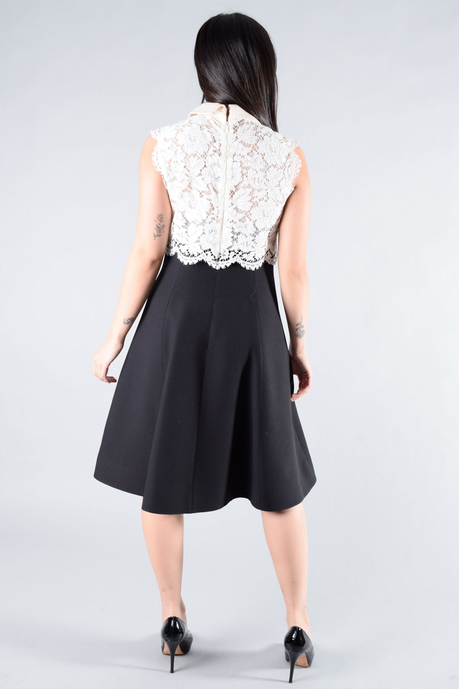Valentino White/Black Lace Sleeveless Dress w/ Bow Size 4