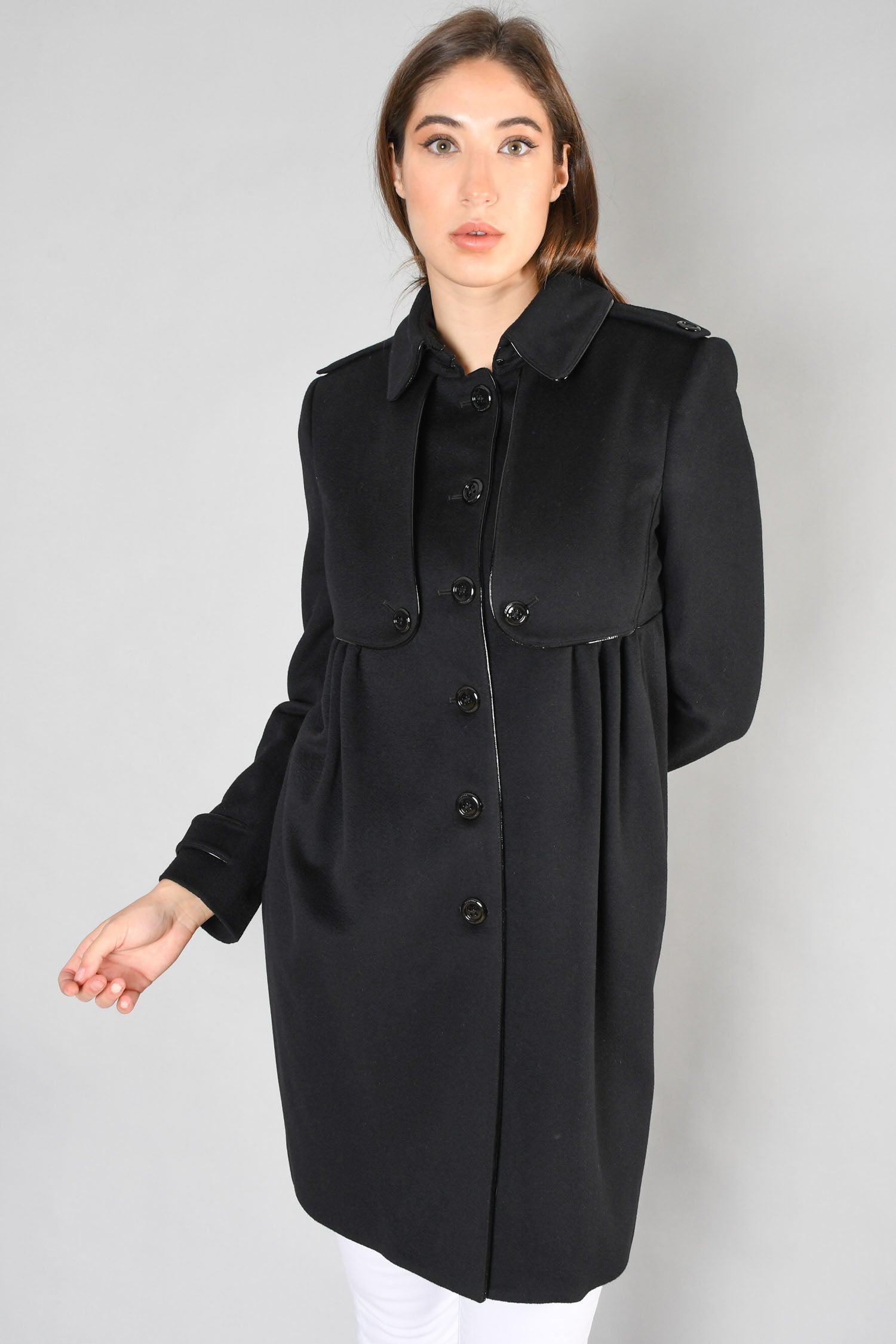 Burberry Black Wool/Cashmere Coat w/ Patent Leather Piping Size 8 US