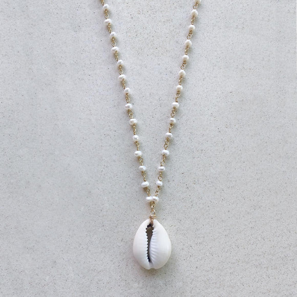 Cowrie Shell with Wired Pearl Gold Necklace