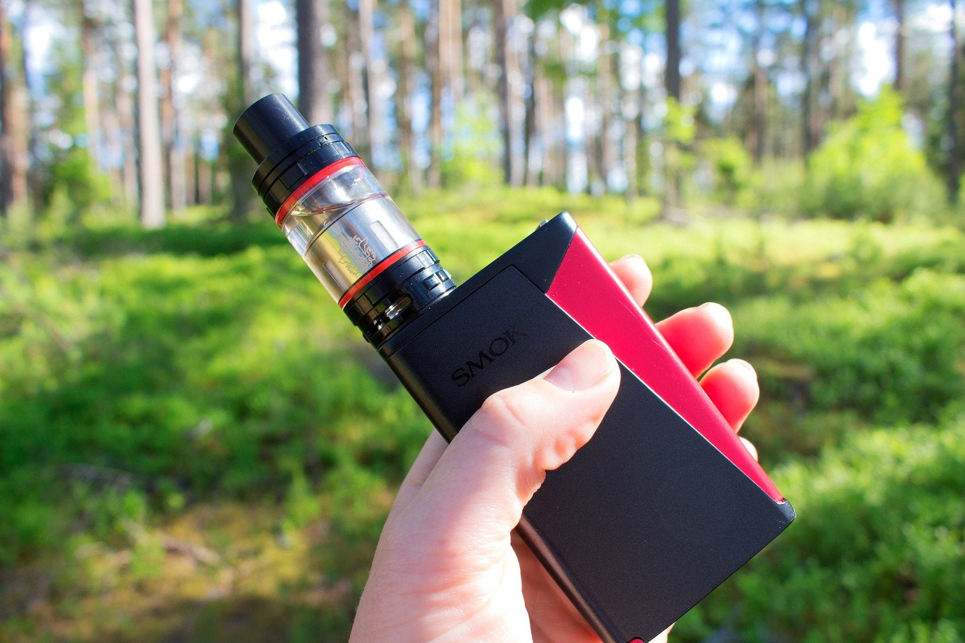black and red vape mod
