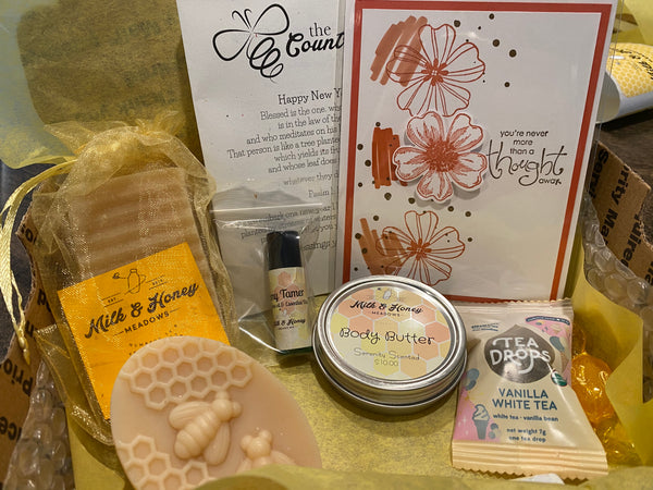 2021 Country Bee {Monthly} Box!!