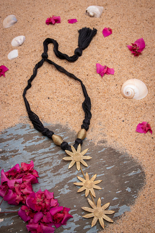 Dhokra Flower Thread Necklace D94