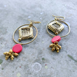 Red and Glod Tone earrings DEr81