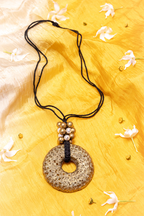 BLACK GOLD TONE BIG PENDANT NECKLACE WITH BEADS G14